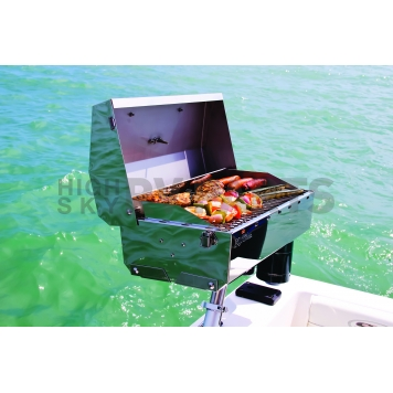 Camco Barbeque Stainless Steel Propane Grill - 58131-6